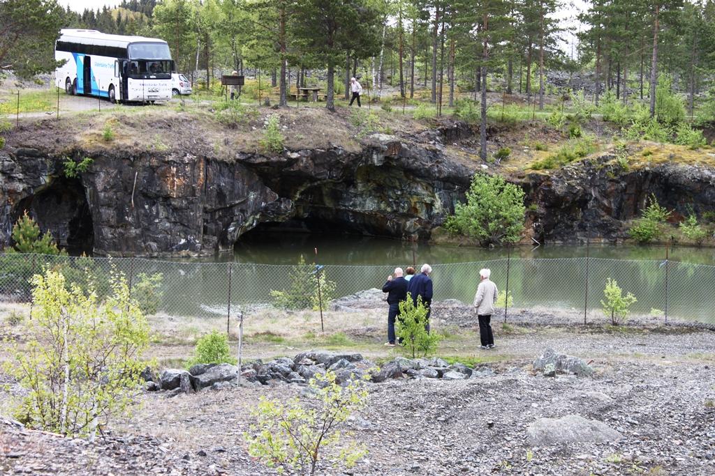 Vattenfylld koppargruva vid Finngruvorna