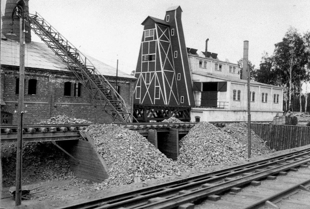 Sinterverket till höger, fotograferat från öst 1918