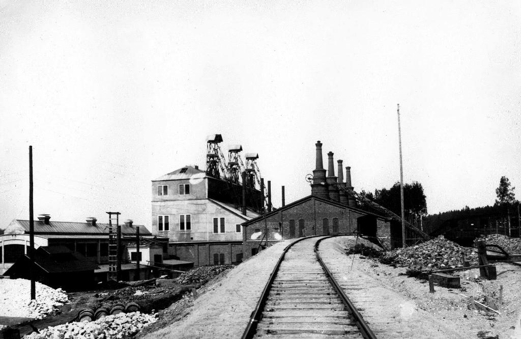 Hyttan, sinterverket och gjuteriet, från söder, 1919
