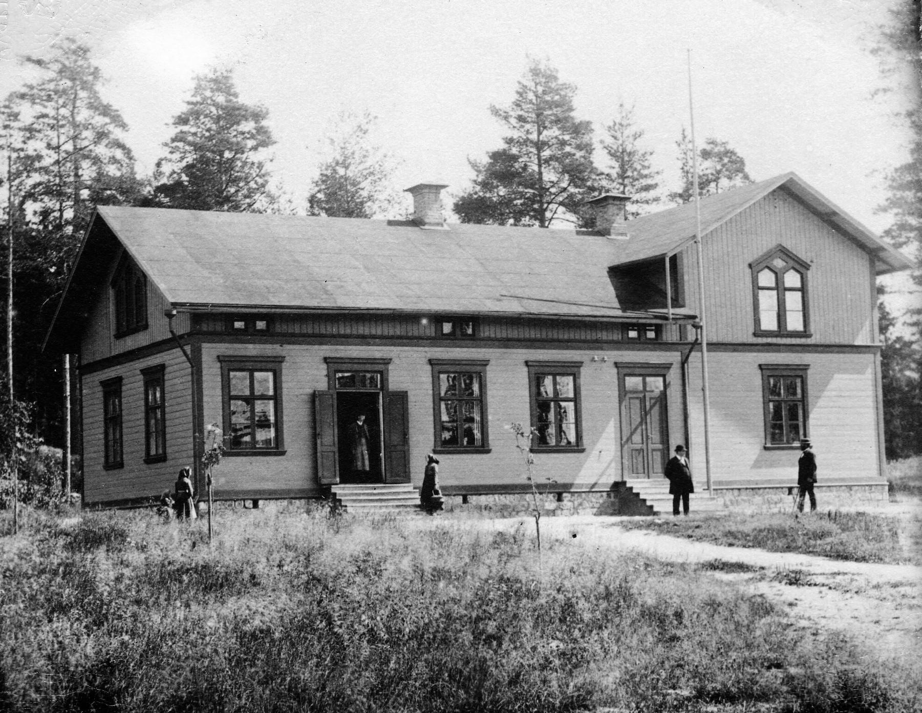 Brukshandeln före utbyggnad mot norr, foto 1900