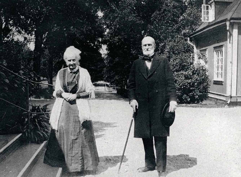 Patron Christian Aspelin och hans syster Henriette